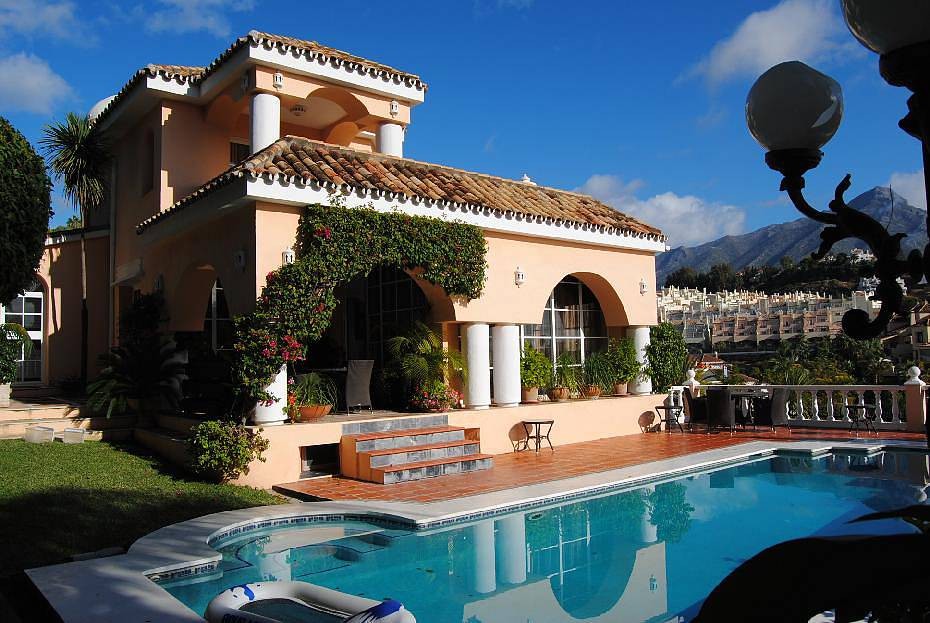 Купить недвижимость в горах испании
