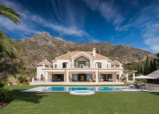 Купить дом в испании на озере