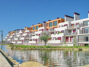 Modern style apartment in the middle of the countryside, halfway between San Pedro de Alcantara and Estepona