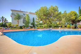 1 bedroom ground floor apartment close to the Centre of Puerto Banus and the beach