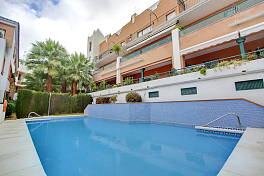 3 bedroom  apartment  within easy walking distance to local shops, restaurants and even the beach