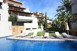 Contemporary  3 bedroom  penthouse apartment set in Cascada de Camojan