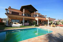 Fabulous villa in front of al Parai­so and La Alqueria golf course