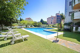 2 bedroom apartment within walking distance to Puerto Banus