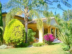 Exceptional 3 bedroom detached villa on beachside of San Pedro