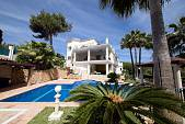 Hacienda Las Chapas - High quality family villa on a double plot with sea views