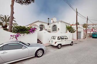 Detached 3 bedroom villa in El Caro community