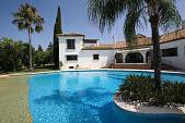Wonderful cortijo style family home  close to El Paraiso golf course