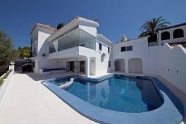 El Paraiso  -   Character 4 bedroom  villa in the Golden Mile between Marbella and Estepona