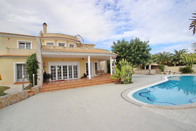 Buy cheap property in Taormina next to the salt lake