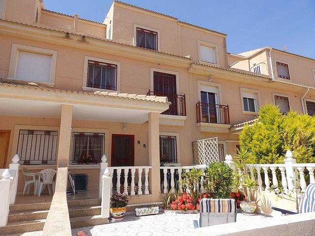 Услуги по недвижимости испания