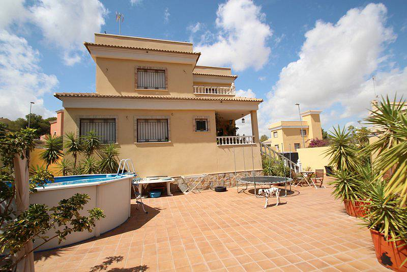Сколько стоит жилье испании