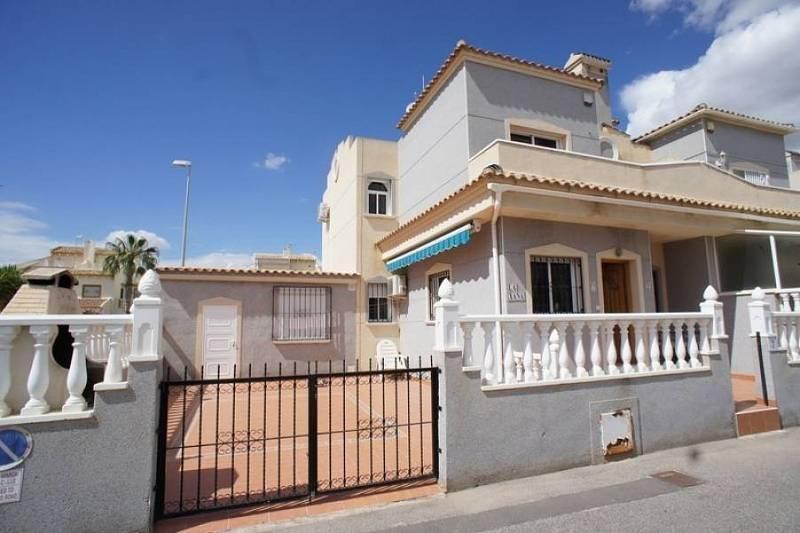 Самая дешевая недвижимость в испании на