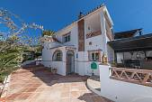 Well presented detached villa on an elevated plot with partial views to the sea and open countryside El Faro, Mijas Costa