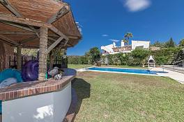 Substantial detached villa in the lower part of El Rosario within easy walking distance to shops and also best Marbella beaches, El Rosario, Marbella