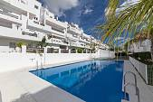 Very spacious 3 bedroom duplex apartment situated in a gated community with front line golf and sea views, Valle Romano, Estepona
