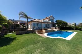 Beautifully in a contemporary style Villa with stunning panoramic sea views, Punta Paloma, Manilva