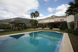 Lovely family home in the exclusive enclave of La Zagaleta just a short distance from the bright lights of Puerto Banus, Marbella