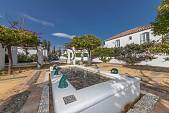 Spacious ground floor garden apartment in a characterful community with extensive communal gardens and a large swimming pool, Estepona
