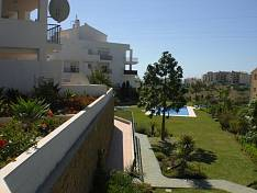 Spacious 3 bed apartment located in the Sea Flowers complex which is a few hundred meters from the Miraflores golf course, Mijas Costa