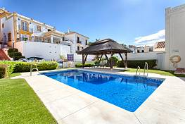 Perfect home in La Heredia de Monte Mayor and was a development by La Parla in the hills above the Mediterranean castle, Benahavis