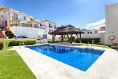 Perfect home in La Heredia de Monte Mayor and was a development by La Parla in the hills above the Mediterranean castle, Benahavis