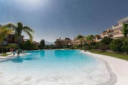Very spacious 2 bedroom penthouse apartment with solarium Park Beach, Estepona