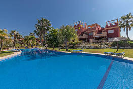 Attractive 2 bedroom penthouse apartment situated in this popular secure community located close to the best beaches Puerto Cabopino, Marbella
