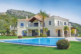 Beautifully crafted luxury detached villa in a large garden plot with breathtaking panoramic views of the Marbella Coastline, Marbella Club Golf Resort