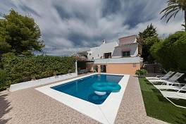 Family villa in a cul-de-sac location close to all the amenities of Nueva Andalucia and walking distance to the beach,Puerto Banus, Marbella
