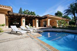 Magnificent single level villa situated in one of Marbella most residential locations in Nueva Andalucia within a short distance to all amenities