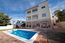 Modern luxury detached villa with 4 bedrooms all with en suite bathrooms Cerros de Aguila, Mijas Costa
