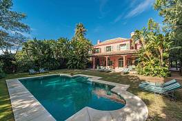 Luxury family villa of great character situated in the ever popular secure community of Hacienda Las Chapas, Marbella