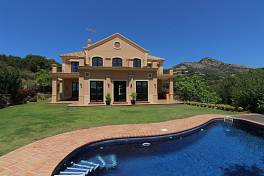 Classic rustic style house with views over the coast, mountains and the Mediterranean Sea, Marbella Club Golf Resort, Benahavis