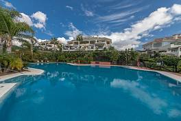 Luxury 3 bedroom apartment in this exclusive gated community a short distance from Aloha Golf and all the amenities, Nueva Andalucia, Marbella