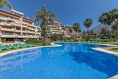 Exceptionally spacious 3 bedroom family apartment in La Cascada, Las Lomas de Marbella Club