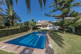 Super family villa forming part of a community of 23 houses, Guadalmina Baja, Marbella