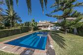 Super family villa forming part of a community of 23 houses Guadalmina Baja, Marbella