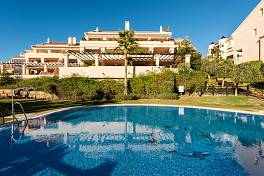 Lovely Penthouse with most important feature of this apartment are the extensive terraces, there are almost 200 m2 of terraces,El Chaparral
