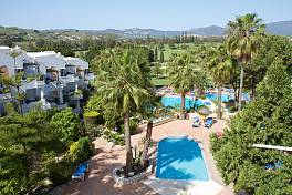 Attractive 1 and 2 bedroom apartments situated in a front line golf location on Mijas Golf, Mijas Costa just a short distance from the beach