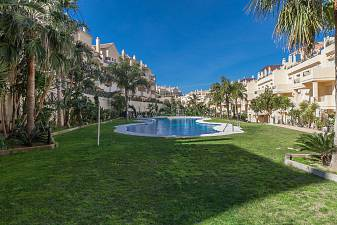 Special duplex penthouse apartment remodelled to provide very imaginative accommodation which must be seen Duquesa Fairways, Manilva