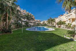 A special duplex penthouse apartment must be seen to be appreciated Duquesa Fairways, close to Puerto de La Duquesa, Manilva