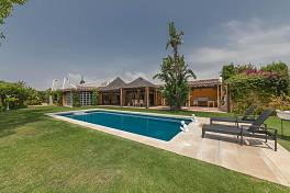 Character family home with possibilities of redevelopment to provide 3 independent villas in the future, Marbella