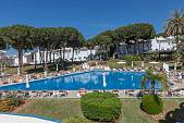 Wonderful opportunity to purchase Penthouse apartment on well organised hotel complex which includes large pools and gardens, Marbella