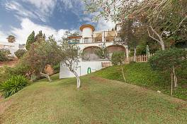Detached villa situated on the outskirts of Fuengirola within easy reach of all the amenities of the town Campo Mijas, Fuengirola