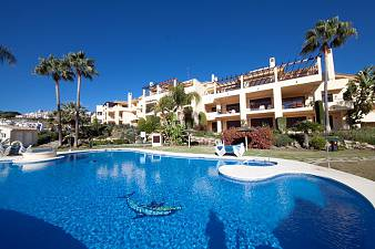 Wonderful 3 bedroom penthouse apartment with open views towards the coast situated in the popular Los Arqueros Golf Resort, Marbella