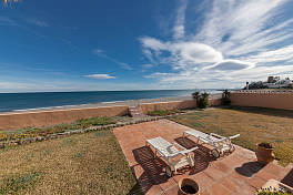 Front line beach split level villa with panoramic views of the Mediterranean sea to North Africa and Gibraltar, Estepona