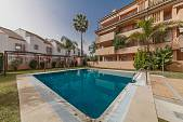Bright Penthouse situated in Playa de Alicate just a few meters from the beach at La Chapas Playa, Marbella