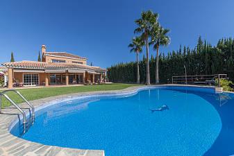 Fantastic detached villa in Mijas Golf just a short distance from the coast and Fuengirola, Mijas