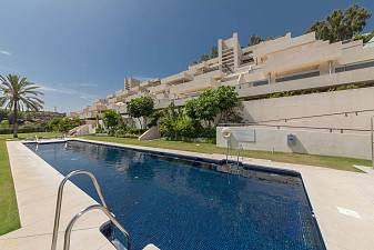 Stunning 3 bedroom duplex penthouse apartment in contemporary development situated in one of the prime locations Marbella, Nueva Andalucia
